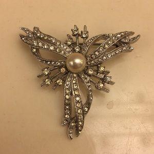 Vintage rhinestone and pearl brooch